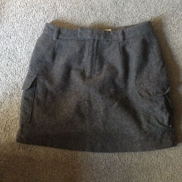 Dark gray wool Aeropostale skirt Beautiful dark gray wool skirt. only worn one time. very comfortable-looks great with tights. Aeropostale Skirts