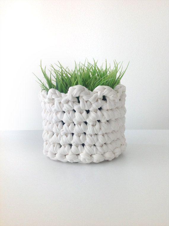Crochet basket, recycled tshirt yarn