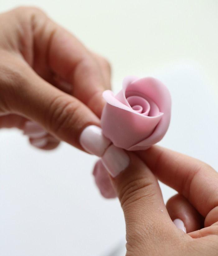 How to make marzipan roses
