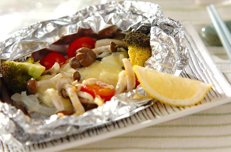 サワラのホイル焼き 油が少ないからとってもヘルシー!サワラとトマトのホイル焼き[洋食/焼きもの、オーブン料理]2009.03.02公開のレシピです。