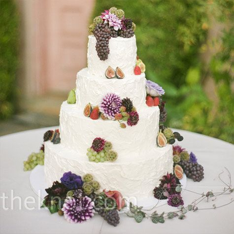 Cake with natural details