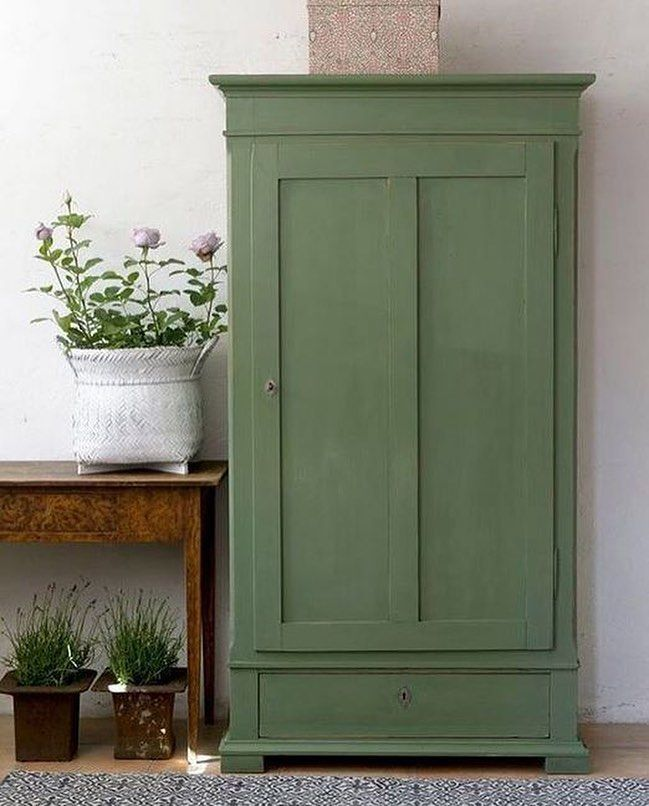 Alten Möbeln neues Leben einzuhauchen ist besonders schön und lässt die Herze…
