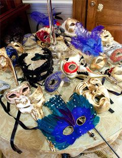 What a fun idea to mix up this year's holiday party with a masquerade theme.