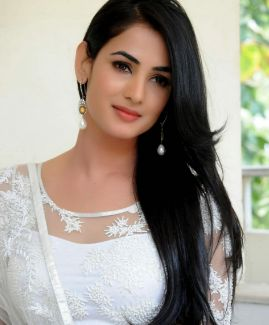 Sonal Chauhan Height Weight Age, Wiki, Family Husband & Biography. Sonal Chauhan Date of Birth, Bra size, Figure Measurements, Boyfriends, Photos, pics