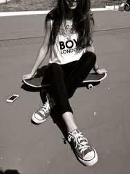 Resultado de imagen para skateboarding girl portadas para facebook