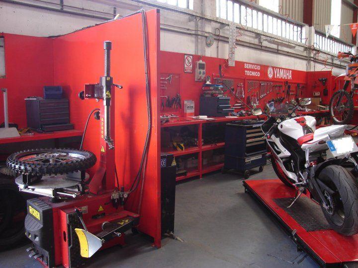 Taller de motos en Neumáticos Bierzo, S.L. - Motoequip - Concesionario Oficial Yamaha #neubierzo #motoequip #yamaha #neumaticosbierzo #ttaller #motos