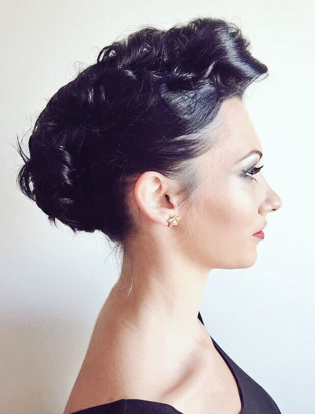 #Elegant #rock #hairstyle