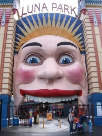 LUNA PARK Sydney is one of Sydney's most recognised attractions. It is a restored 1930's amusement park located at Milsons Point, which is also home to the iconic Sydney Harbour Bridge. At Luna Park, you can enjoy fun amusement rides with stunning views of the Sydney Harbour as a backdrop.