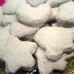 Kourabiedes: Greek biscuits