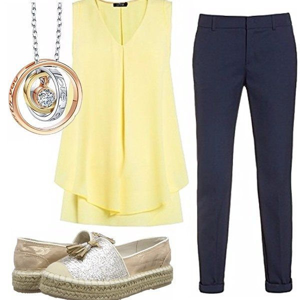Outfit composto da top drappeggiato di un bellissimo giallo, pantaloni blu comodissime Espadrilles con nappina, il tutto illuminato dal gioiello dal taglio moderno!