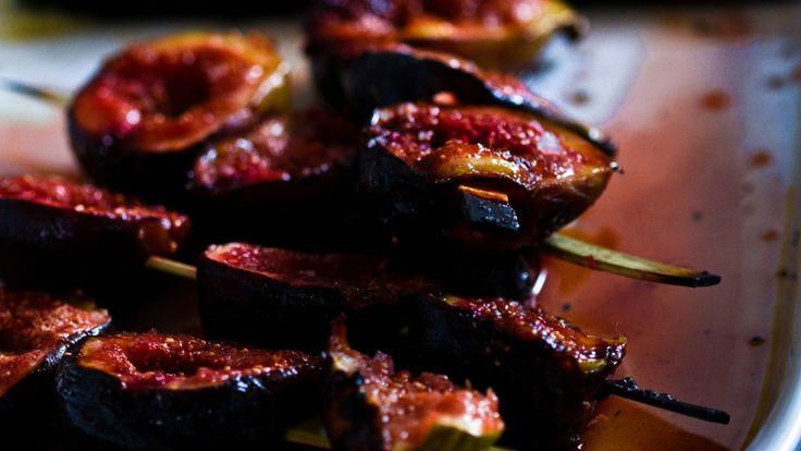 Une recette de figues grillées au sel, présentée sur Zeste et Zeste.tv.
