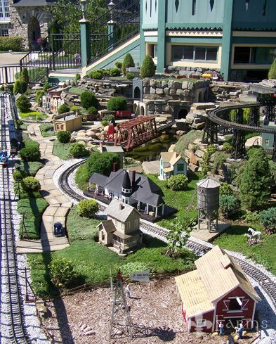 Castle Farms Garden Railroad - if we ever go to Michigan we should stop here.  Get some ideas to build our own Garden Railroad!