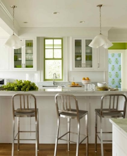 Stainless steel stools!Barstools, Kitchens Design, Windows Frames, Contemporary Kitchens, Green Accent, Green Kitchens, Accent Colors, Bar Stools, White Kitchens