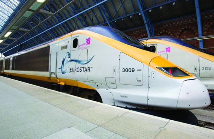 Uma das melhores opções de viagem entre Paris e Londres são os trens da Eurostar. Eu adoro viagens de trem, principalmente porque as estações de trem ficam no meio do cidade e é sempre mais fácil de chegar ao destino final. Em Paris os trem saem da Paris Nord e em Londres chegam na estação …