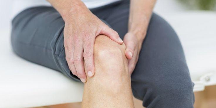 Cuando su rodilla duele , día tras día, no puede caminar fácilmente. Subir y bajar escaleras es un reto. El dolor te despierta por la n...