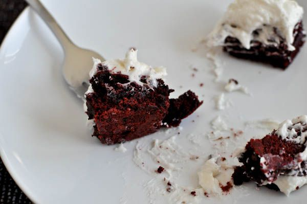 Red velvet brownies with white chocolate frosting :)White Chocolate, Healthy Recipe, Buttercream Frosting