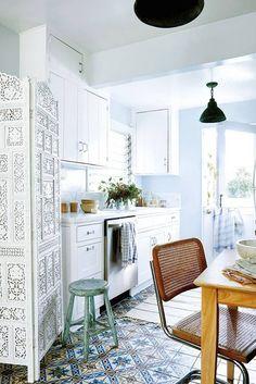 Check on www.prettyhome.org - dreamy boho kitchen
