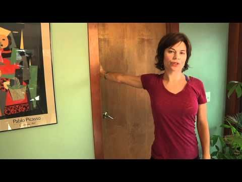 Pectoralis and Bicep stretch for rounded shoulders