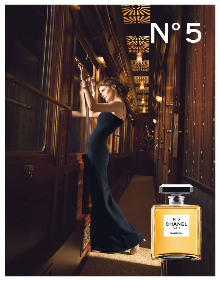 2009年 - シャネル N°5広告キャンペーンのためにドミニク イッセルマンが撮影したにオドレイ トトゥ。