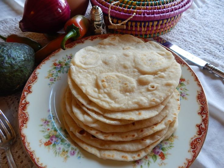 How to make fresh, handmade Flour Tortillas. A step-by-step recipe by Jauja Cocina Mexicana with ingredients and tips for authentic, freshly made flour tortillas every time. Soft, warm and delicious for burritos and Mexican Antojitos. A tradition from Northern Mexico. Buen provecho. Thanks so much for subscribing https://www.youtube.com/user/JaujaCocinaMexicana Facebook https://www.facebook.com/JaujaCocinaMexicana Twitter https://twitter.com/JaujaCocinaMex