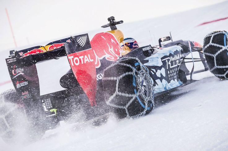 GALERIE: Tomu neuvěříte: Formule 1 se nebojí sněhu, řádí na sjezdovce v Alpách (videa) | FOTO 31 | auto.cz