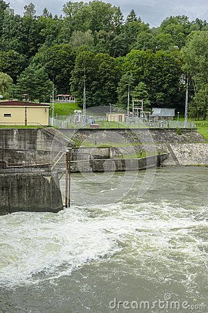 Dam on the Lake Czchów in Poland. View from a dam on Dunajec river and the water…