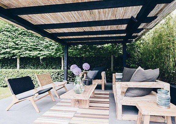 179 vind-ik-leuks, 2 reacties - Mees de Graaf (@ibizaoutdoor) op Instagram: 'Leuke foto gespot met de boomstam salontafel, ibiza bank en vintage loungestoelen, love it! Bij…'
