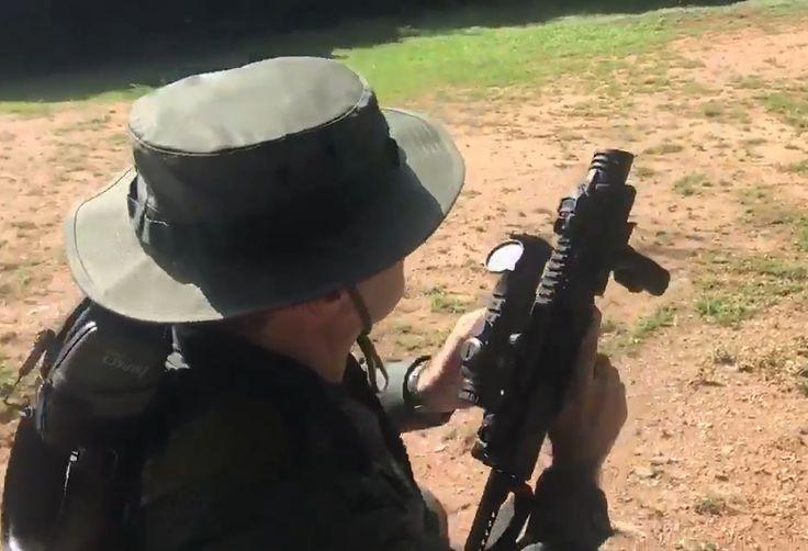#Video: ¿Para seguir matando jóvenes? Padrino López practica su puntería con armas de fuego - http://www.notiexpresscolor.com/?p=176058