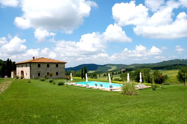 This Tipical Tuscan Villa is called Villa le Ginepraie. We rent owner direct for 10 - 12 people, with 3 apartments and 2 bedrooms intercomunicating and a panoramic swimming pool with a private garden. You can rent the whole villa, the apartment or the rooms with Bed and Breakfast and dinners service.  for more info:  http://www.leginepraie.com  http://www.villaleginepraie.com