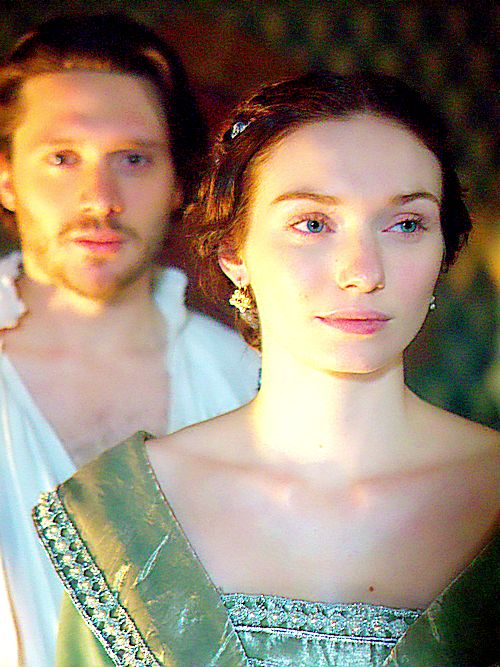 David Oakes as George, Duke of Clarence and Eleanor Tomlinson as Isabel Neville in 'The White Queen' (2013)