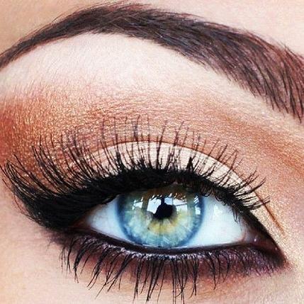Copper & black eye makeup...blue eyes pop