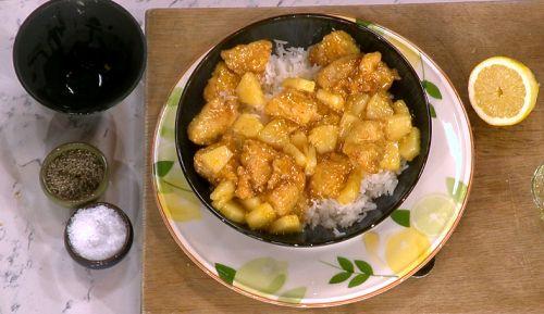 Gok Wan lemon chicken with pineapple and custard powder ...