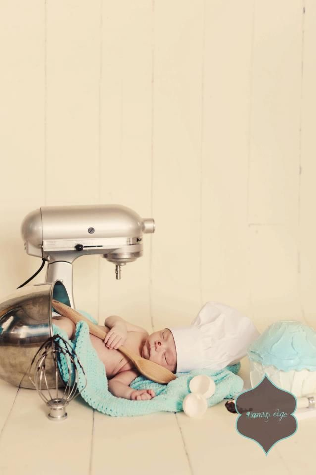 One of the cutest newborn shots i've seen in a while! Next time I get a newborn photo shoot I am totally trying this!!