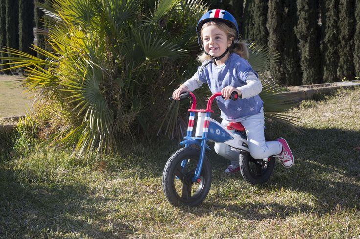 Bicicleta de iniciación evolutiva para niños y niñas. Tiene dos fases de aprendizaje, una el equilibrio y otra el pedaleo. ¡Enseña a tu peque a montar en bici de manera fácil y divertida! :) #bici #niños #imaginarium