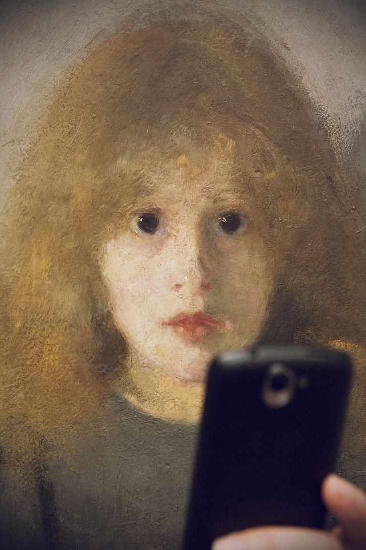 Olga Boznańska, Dziewczynka z chryzantemami #museumselfie