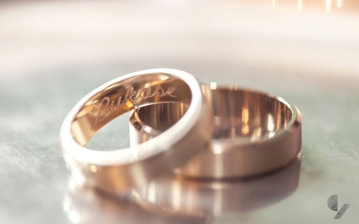 Rings - obrączki - reportaż ślubny - Czarna Zebra