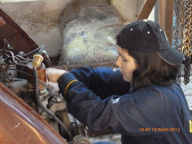 arreglando el auto