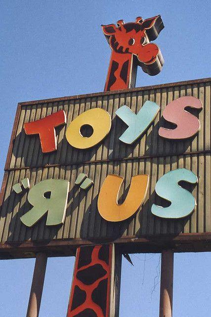 """Old Toys """"R"""" Us Sign                                                                                                                                                                                            #childhood #memories                                                                                                                                              ᖇ͈̮̗૩̰͘ᔿ̭̩̩ԑ͙̚Ḿ̲̳͘ʙ͛͘ʓ̻̮̀̚я̗̀¡̬̭ꏢ̣̋ ᗬ̠ᵃ͠《8̣̬0̠̎ˢ̀·ꏢ̻̇·9̱͠0̩͙ˢ̋》"""
