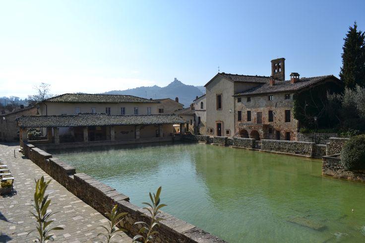 La vasca della piazza di Bagno Vignoni - Val d'Orcia - Toscana