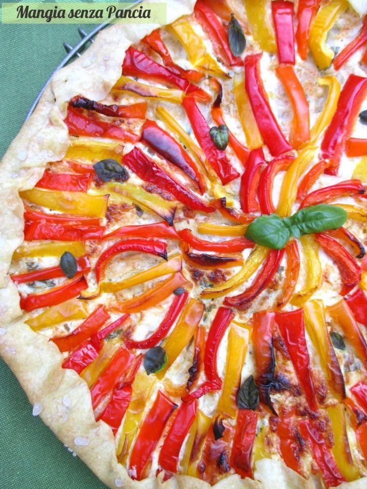 TORTA SALATA DI PASTA MATTA CON PEPERONI E SCAMORZA - Ingredienti per una torta diam. 26: per la base vedi pasta matta: 120 gr farina - 2 cc olio - 50 ml acqua frizzante. Per il ripieno: 120 gr ricotta magra - 60 gr. scamorza affumicata - 3 peperoni - basilico - sale - 1 cc olio. PORZIONI WW per tutta la torta: 4 carb. chiari - 3 grassi - 3 proteine.