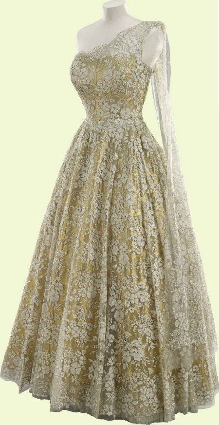 Formal Gown, Norman Hartnell: 1953, lamé, lace