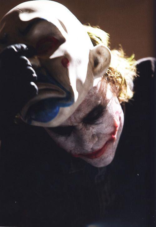Yo dawg. I heard you liked clowns, so I dressed a clown up as a clown so when you wonder who the clown is its a clown.