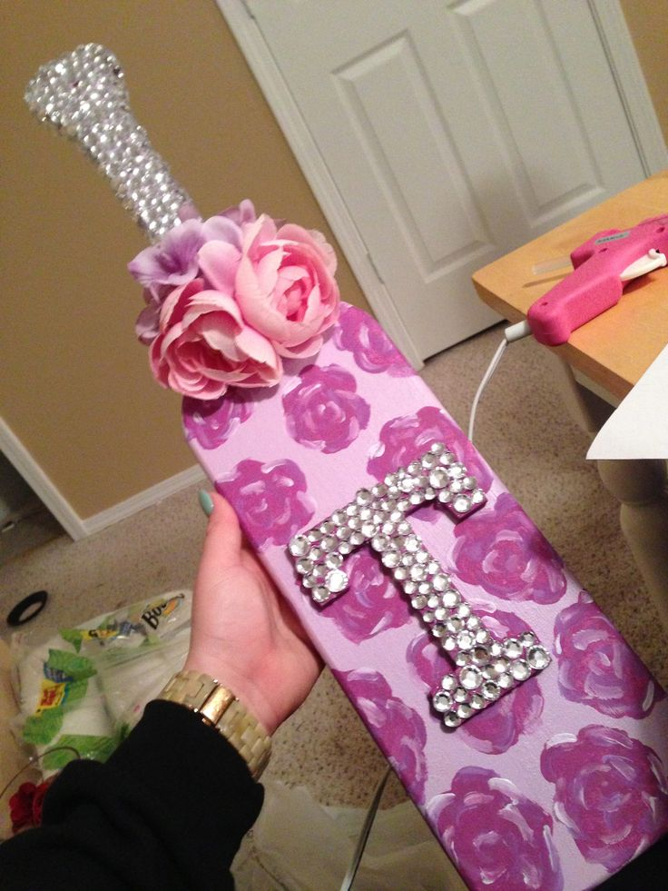 210 best Plaques and Paddles images on Pinterest | Sorority crafts ...