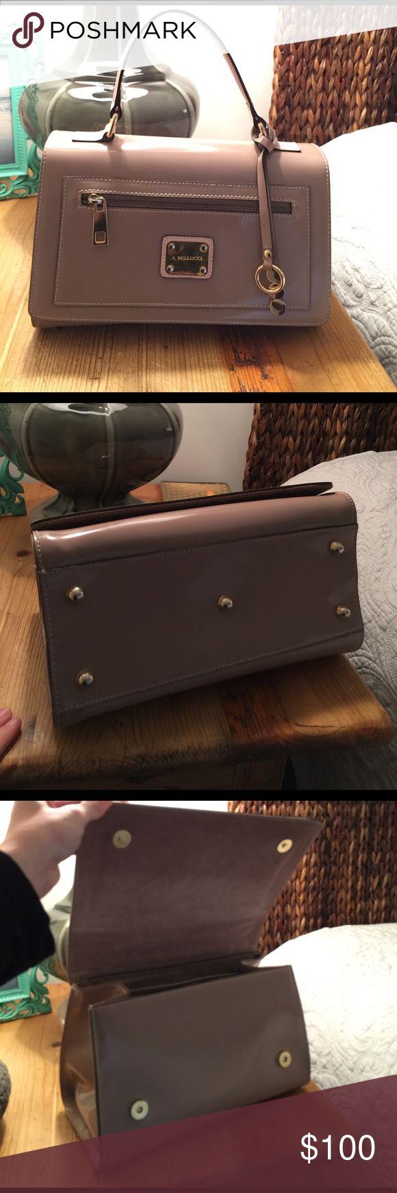 Alberto Bellucci Italian leather handbag Alberto Bellucci Italian leather handbag in excellent condition. Like new! Feel free to make an offer :) alberto bellucci Bags Satchels