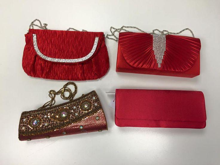 Rode galatassen, mooie tassen voor bij een mooie rode jurk.