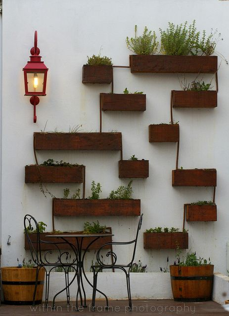 patio wall pots design decor beautiful interiors and decor pinte. Black Bedroom Furniture Sets. Home Design Ideas