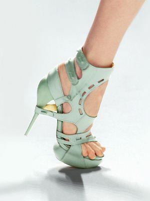 how to break your heels in faster