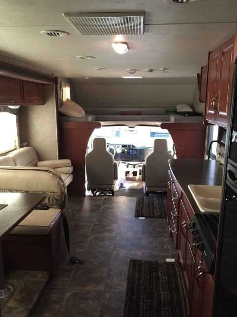 2014 Used Winnebago Minnie Winnie 31K Class C in Indiana IN.Recreational Vehicle, rv, 2014 Winnebago Minnie Winnie 31K, Trailer hitch with 5,000 lb towing capacity, 53 gallon fresh water tank, Sleeps up to 7, 4,000 watt Cummins gas generator, Thermo insulated windows, Body of RV is all fiber glass (with walkable roof), Review Backup Camera, Power steering with tilt and cruise, Amplified digital tv system TV w/DVD player, Microwave Oven, Gas Stove Top (3 burner), Vented range hood, Shower…