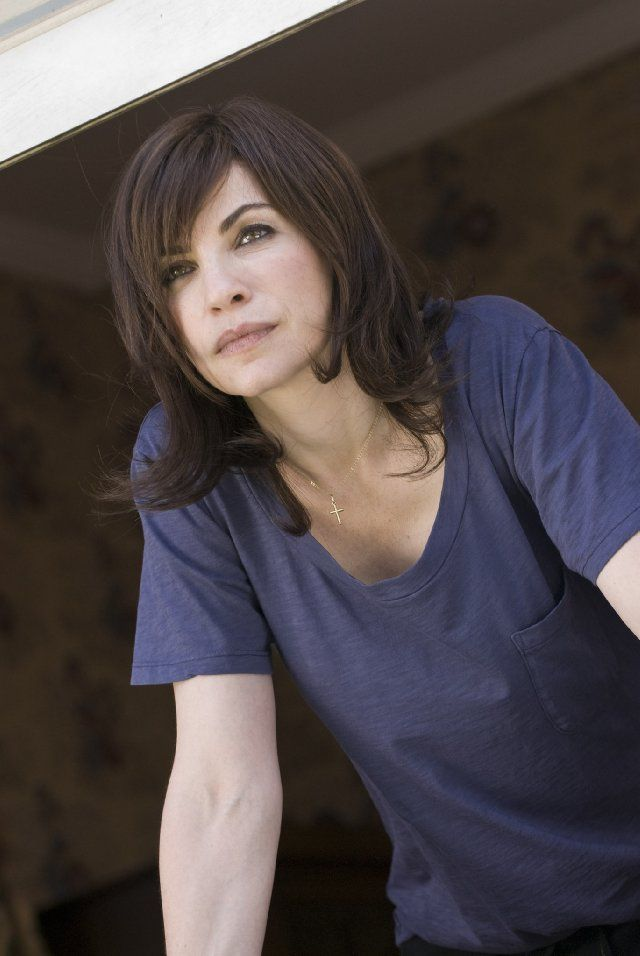 Julianna Margulies in City Island,2010