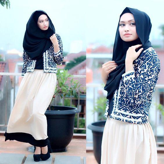 Dans l'article, on va vous montrer Comment Porter Une Jupe Longue? Et Pour vous inspirer, Voici 20 Styles Hijab Femmes voilées Inspirants chic et tendance 2016. Source des Photos: Pinterest.com Vous en dites quoi? commentaires